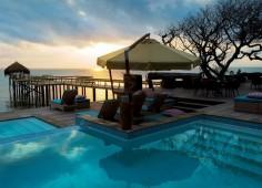 Dugong Beach Lodge Pool & Jetty