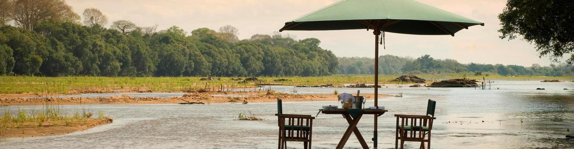 Breakfast in the Lugenda River